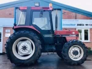CASE IH 985 TRACTOR