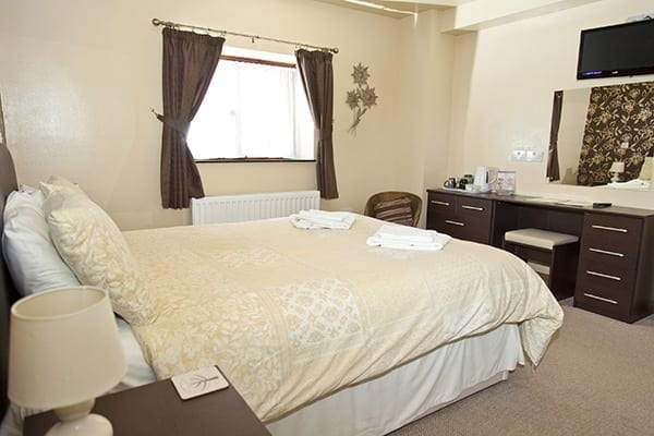 double bedroom at Hopley House