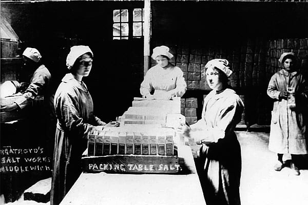 27. Packing Table Salt. Not all salt was bagged, dairy salt destined for households was packed in containers. Murgatroyd's.JPG